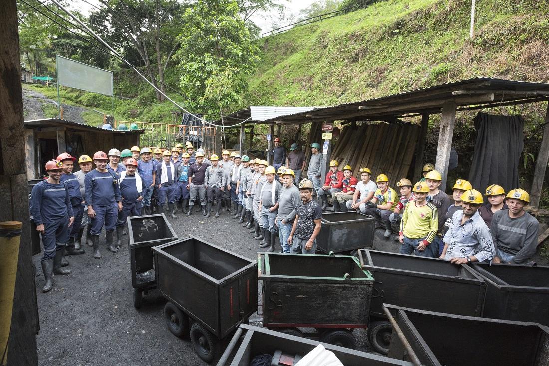 Team members at the mining site (Fura Gems Inc)