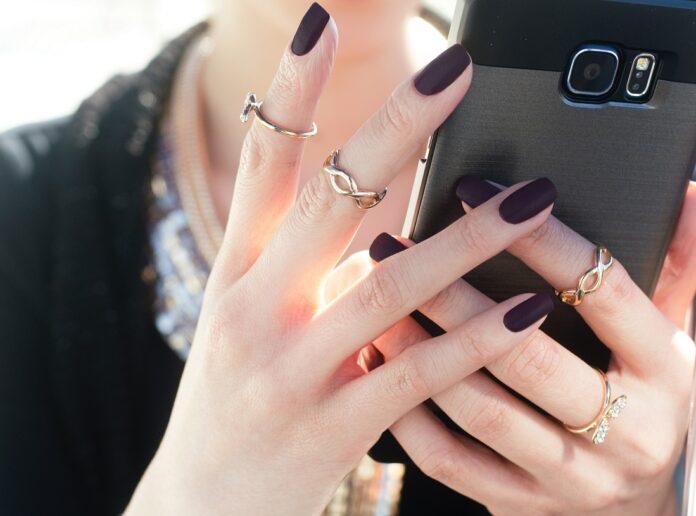 How do digital native generations perceive gems & jewellery?